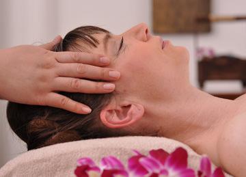 Facial Massage of Asia-Relax Zurich