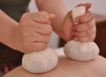 Thai Herb Pouches Massage of Asia-Relax Zurich